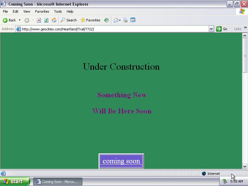 """Geocities ile yapılmış bir websitenin ekran görüntüsü. Ekranda """"Under construction. Something new will be here soon"""" yazıyor."""