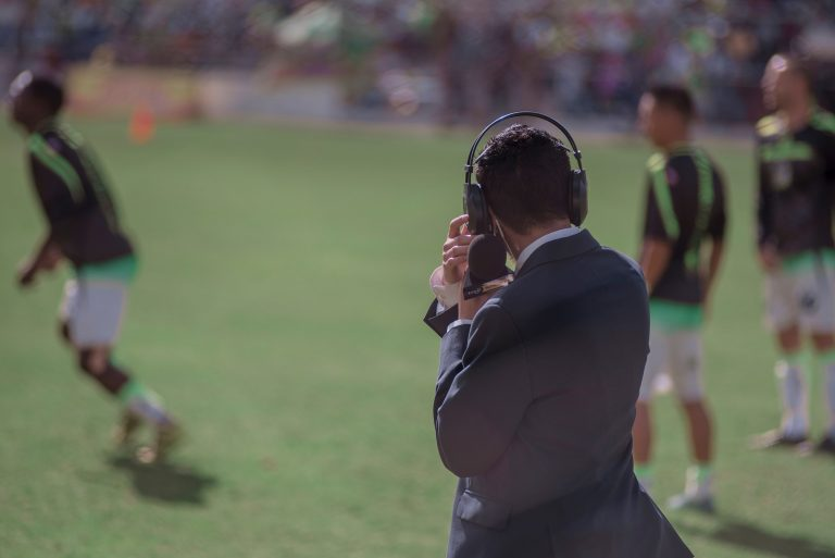 futbol-yorumcusu-commentator
